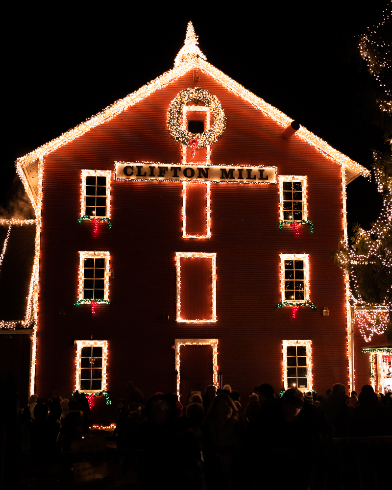 Clifton Mill Christmas Lights.Christmas Lights In Ohio Life In Pictures